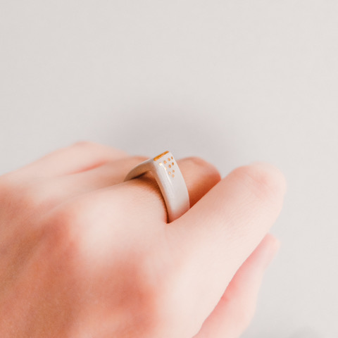 mura-porcelain ring